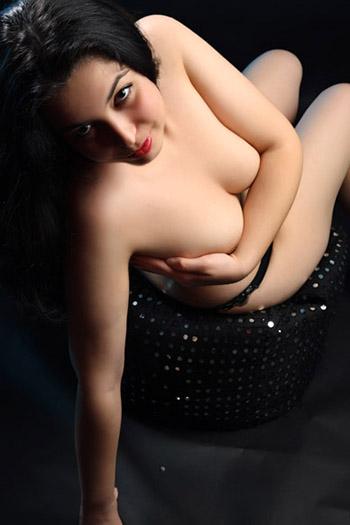 Kira Girl shairless Bulgaria jeux de douche et de bain sexe avec des modèles d'escorte d'enregistrement Berlin