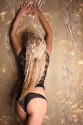 Premier top model d'escorte de grande classe Berlin Melani de Russie top sex service call girl