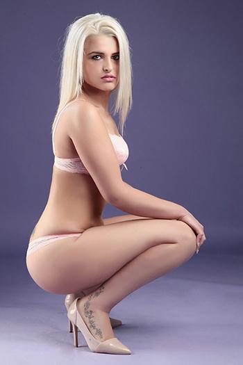Escort Natali aux petits seins ferme date de sexe à Berlin