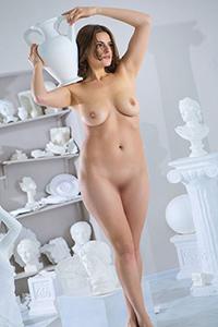 Commandez le modèle privé Eika à court terme pour un service d'escorte sexuelle avec service érotique verbal via l'agence Berlin Escort